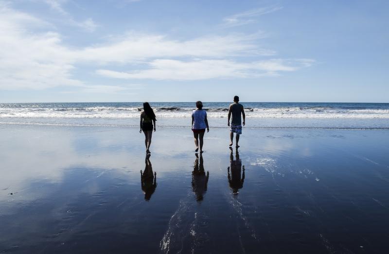 Choisissez entre votre meilleur ami et votre plage Boyfriend