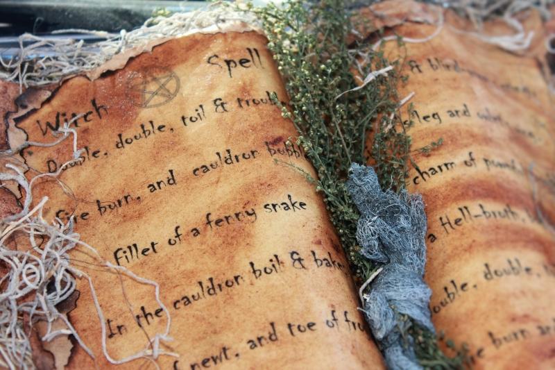 comment être un livre d'ombres de sorcière