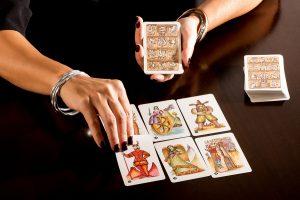 Photo of Comment choisir le jeu de cartes de tarot parfait