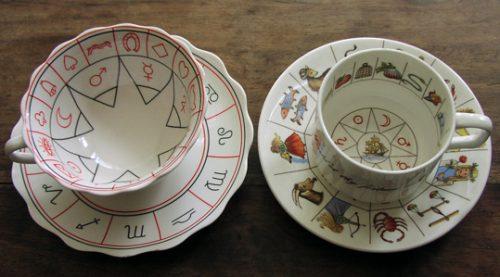 tasses de feuilles de thé